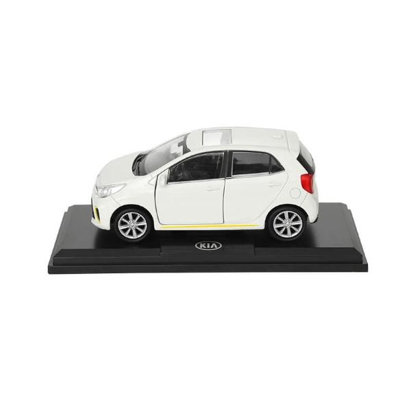 Picture of Model Car Kia Picanto Snow White